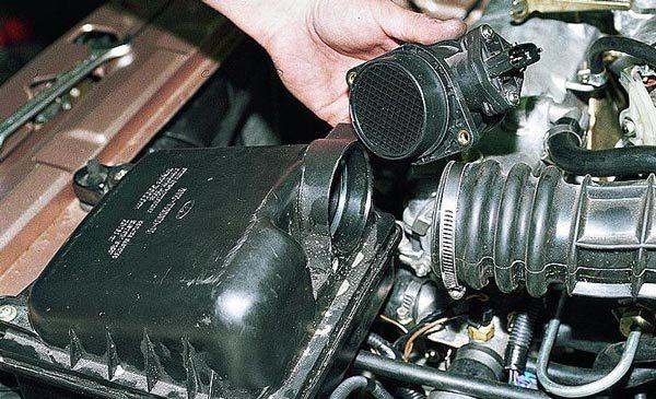 Датчик ДМРВ: датчик массового расхода воздуха автомобиля