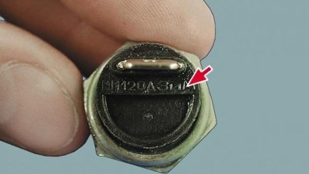 Датчик давления масла ВАЗ 2109: где находится, как проверить