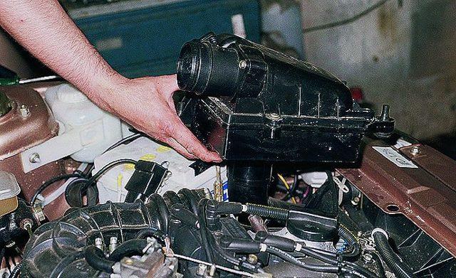 Датчик детонации Приора 16 клапанов: признаки неисправности, где находится, замена