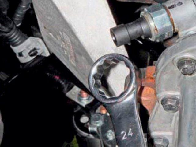 Датчик давления масла Нексия: 8 и 16 клапанная, где находится, замена