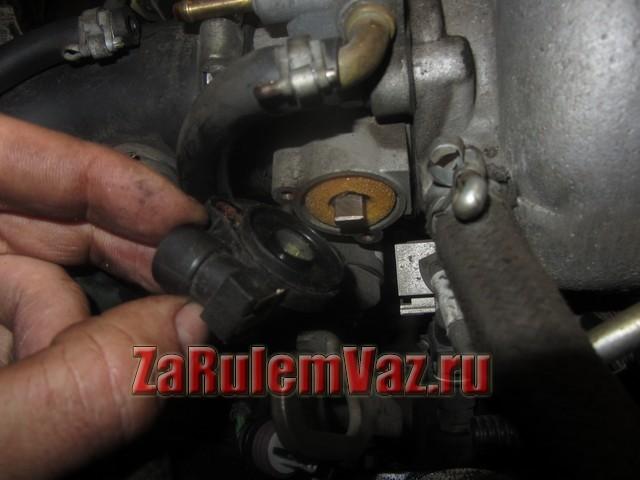 Датчик дроссельной заслонки ВАЗ-2107, инжектор: принцип работы, устройство, признаки неисправности, замена