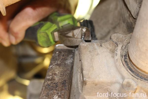 Датчик скорости Форд Фокус 1: где находится, замена, причины поломок