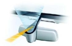 Как приклеить датчик дождя на лобовое стекло: чем приклеить