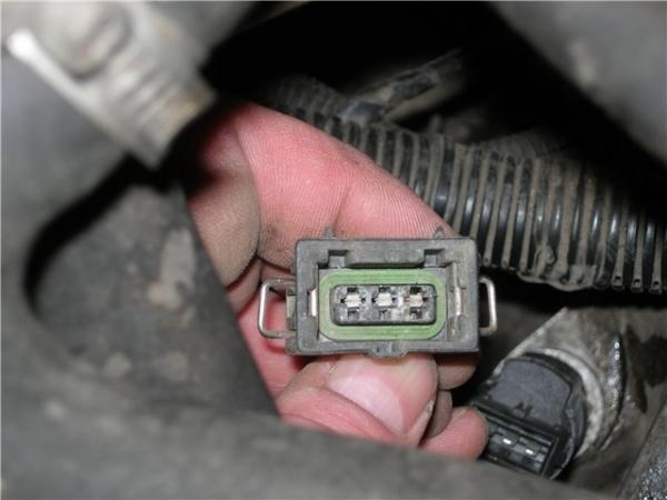 Датчик скорости ВАЗ 2110: где находится, признаки неисправности