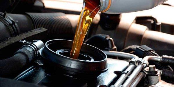 Загорелась лампа давления масла: причины, решение