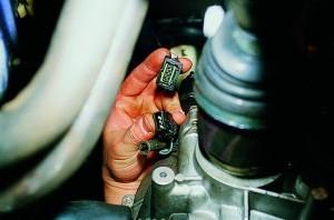 Датчик скорости ВАЗ 2109 инжектор: где находится, замена, распиновка