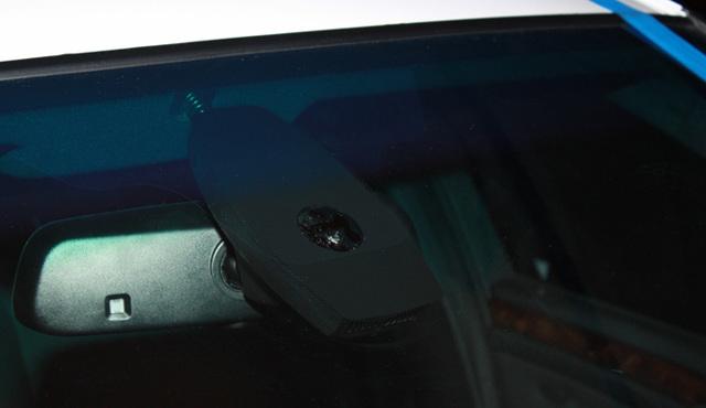 Как приклеить датчик дождя к лобовому стеклу: Что должно быть приклеено?