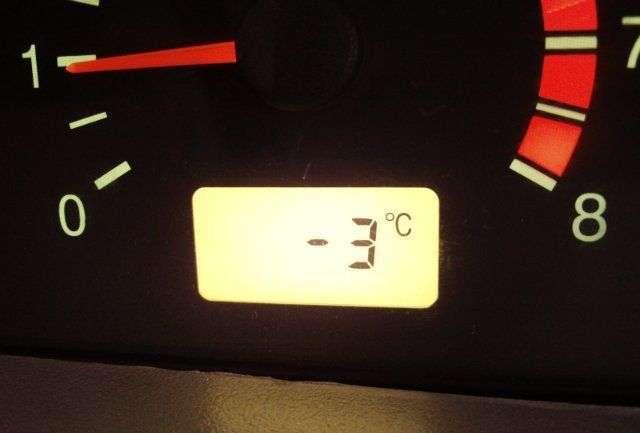 Датчик температуры окружающей среды: что делает, где расположен